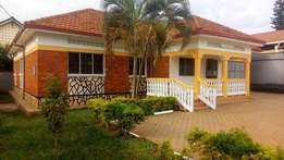 A four bedroom standalone house for rent in kiwatule