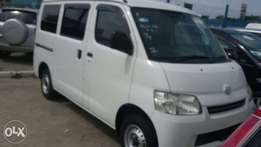 Toyota townes 2010 Outomatic manual available