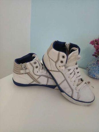 415197210f834e Дитячі кросівки з натуральної шкіри фірми GEOX: 300 грн. - Дитяче ...