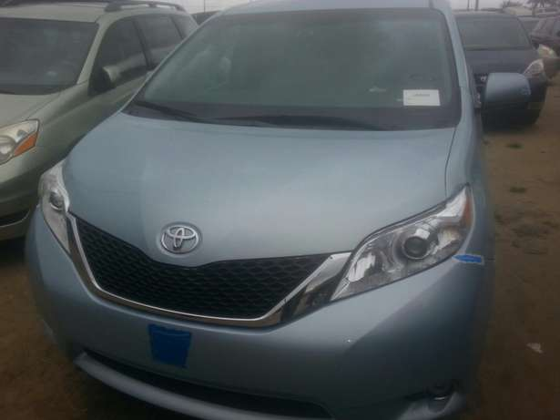 Tincan cleared tokunbo toyota sienna 014 Apapa - image 1