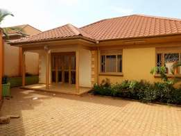 A three bedroom standalone house for rent in kisasi