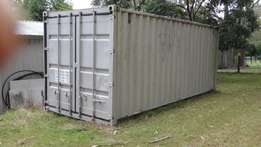 Shipping container 20 ft in good condition watertight