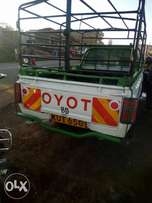 Extremely clean Toyota hilax diesel x 2.4