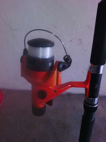 Fishing rod & 4 adjustable pegs Klerksdorp - image 2
