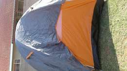 6 man tent with matreses and pump