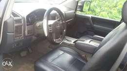 Nissan Titan 5.6.se 2006 model Black