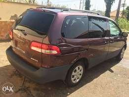 Excellent Toyota Sienna with leather seats