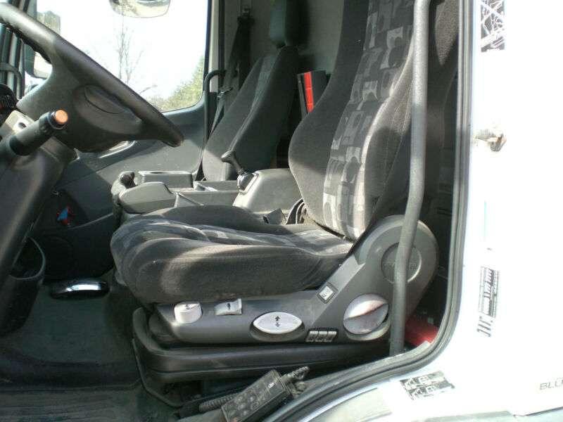 Mercedes-Benz 818 L Atego Pritsche Plane Ladebwordwand - 2010 - image 11