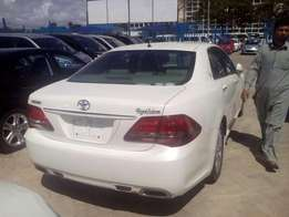 Toyota royal Salon crown brand new 2010 model on sale