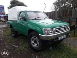 Clean hilux pick up