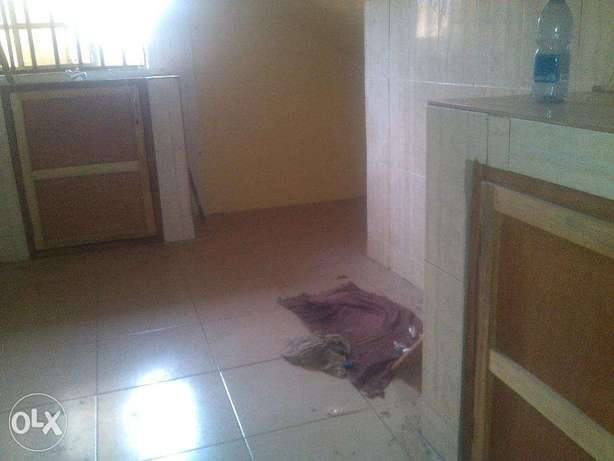 2 bedroom flat for rent at opic going for 400k,all room are en suit.ve Ojodu - image 5