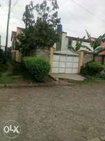 3 bedroom corner house with 2 extension
