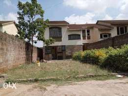 : 3 bedroom hse to let 50k and selling at 16.5m in LANGATA