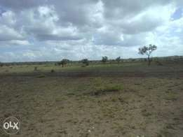 Athi river 20 acres Kinanie rd 4km from msa rd 10m/pa.