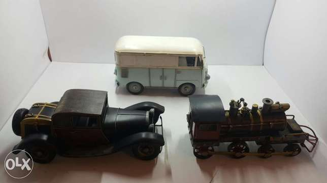 Old vintage cars. 3 displays hand made for 60$