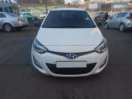 Hyundai i20 1.2 2014 model 26000km whit in colour R113000