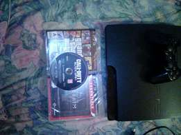 Ps3 console 500 gigabyte with controller and three games and HD cable
