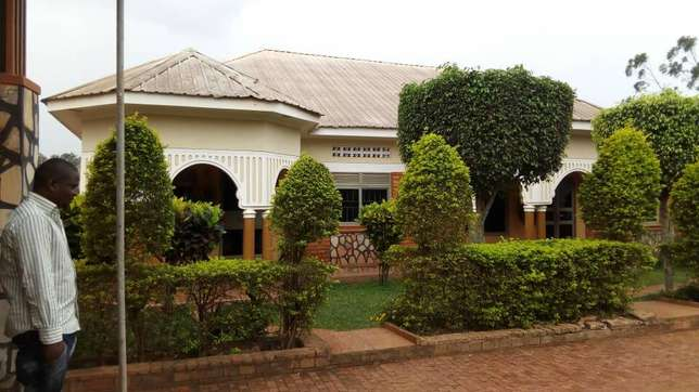 Executive two bedroom two toilet house for rent in ntinda at 650k Kampala - image 6