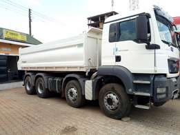 12 Tyre Trucks for hire