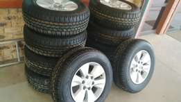 17 inch Toyota Hilux and fortune Set of Mags with New tyres