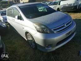 Toyota ISIS Silver 2010 model. KCP number Loaded with Alloy rims, g