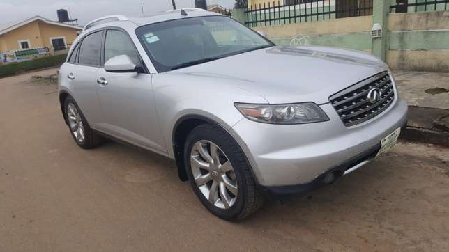Less than a year registered infinity fx35 2006 Alimosho - image 1
