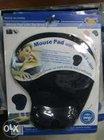 Mouse pad with gel