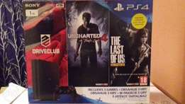 brand new PS4 in box with three games , 1 terrebyt consol