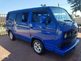 Volkswagen Microbus 2.3 with aircon and service books