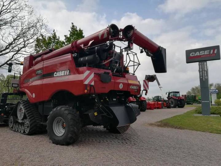 Case IH axial flow 8240 - 2016 - image 3