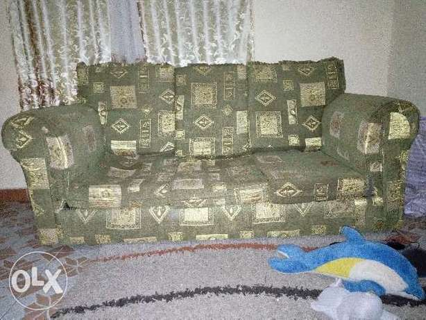 Large 3 seater gently used couch for sale Uthiru - image 1