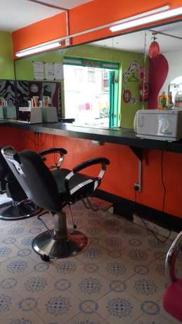 Salon for sale Fedha - image 4