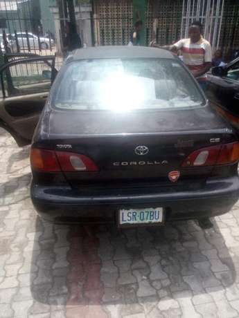 Fairly Used Toyota Corolla(2000 model) Ifako Ijaiye - image 3