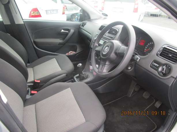 VW Polo 1.4 T/L 2012 model with 5 doors Johannesburg - image 7