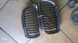 Pair of silver BMW E90 grill for sell