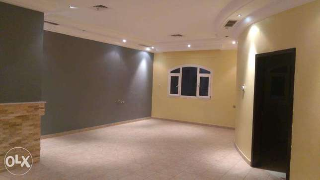 Beautiful 4 bedroom floor in mangaf.