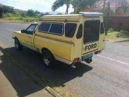 Ford Cortina MK 5 Bakkie SWB Executive Canopy