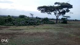 Prime land for sale in along Makutano Narumoro bypass with titledeed