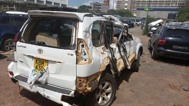 Toyota Prado ,KBm with damaged right side Industrial Area - image 4