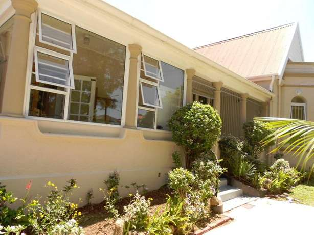 Neat & spacious rooms available in ideal Southernwood location Southernwood - image 2