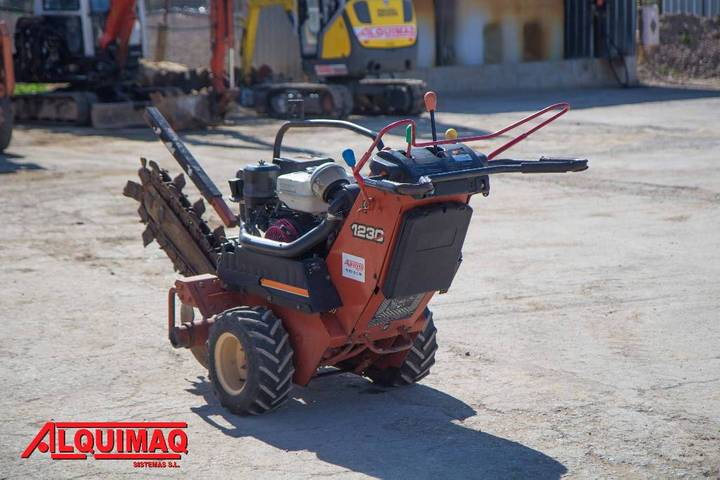 Ditch Witch 1230 - 2008