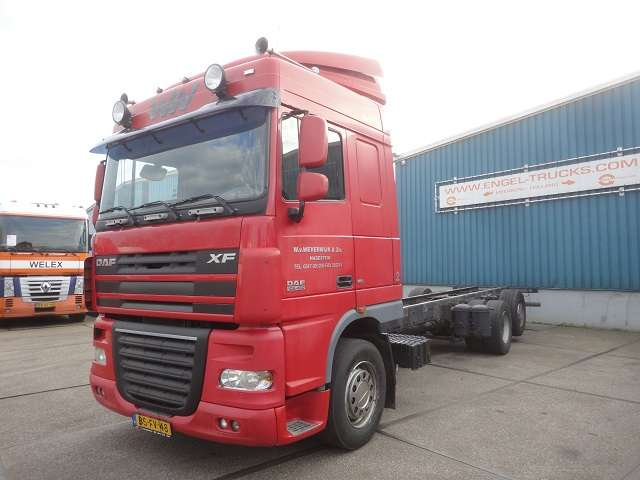 DAF FAR XF105-460 SPACECAB (MANUAL GEARBOX / 9.000 KG. FRONTA... - 2006
