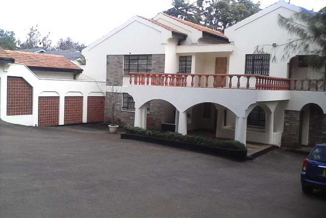 A Beautiful 5 Bedroom double storey house to let in Runda Hurlingham - image 3