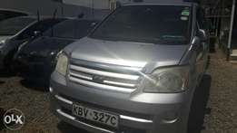 Slightly used Toyota Noah 2006