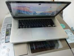 Macbook pro apple i7,8GB Ram with lots of Accesories
