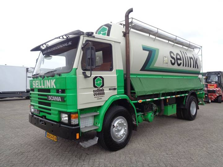 Scania 82M 190 + Manual + tank 5 parts + KM!! - 1985