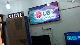 60 inchez lg led digitalised smart superslim android version flat tv
