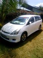 Toyota Wish For Sale 690k.