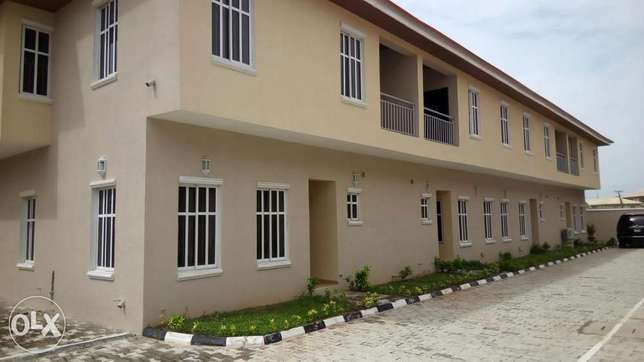 3 Bedroom Terrace with BQ(Serviced) before Chevron, Lekki Lekki Peninsula - image 1