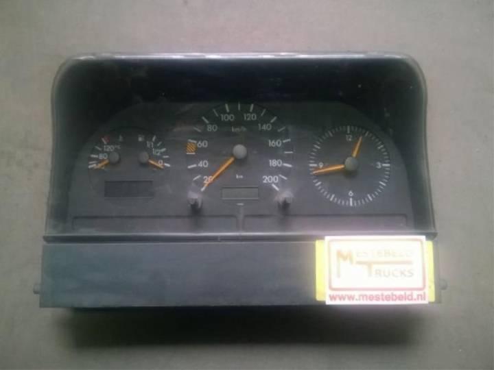 Mercedes-Benz Instrumentenpaneel dashboard for  Instrumentenpaneel - 1996